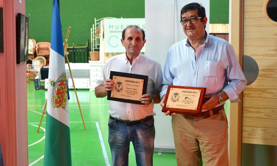 Tamesa recibe el premio como empresa emblemática en el Durufema (IV Feria de la madera y el mueble)